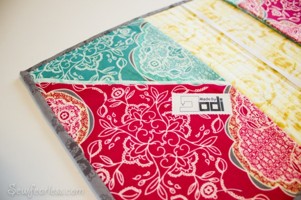 Quilted Planner Cover tutorial - slanted pocket - sewfearless.com