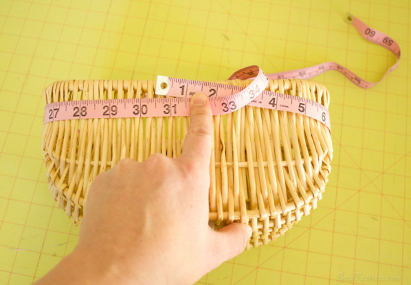 measure the outside of the basket opening - sewfearless.com