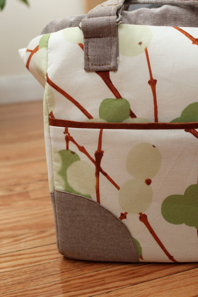 Suzanne's Mommy Poppins Bag - SewFearless.com