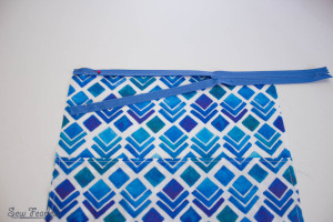 Scribble 'n' Tote Lap Desk- zipper lined up- SewFearless.com