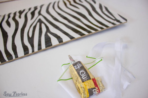 Scribble 'n' Tote Lap Desk- glue on clipboard- SewFearless.com