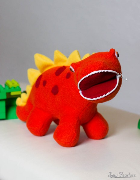 Zipper-Mouthed Dinosaur Softie, sewn by SewFearless.com