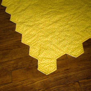 How To Finish A Shaped Quilt Edge Without Binding