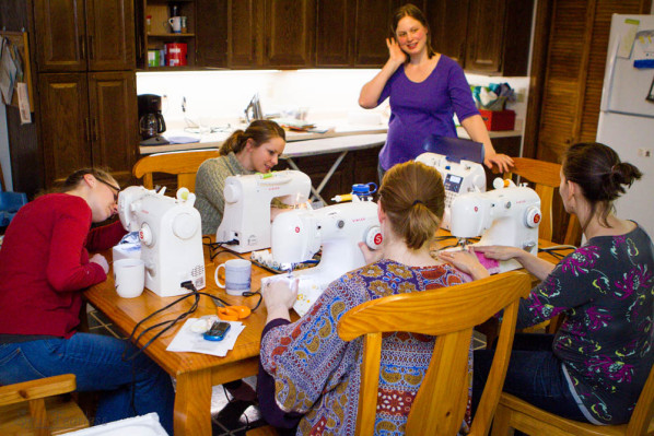 "Teaching The ""Get To Know Your Sewing Machine"" Class - ebook review"