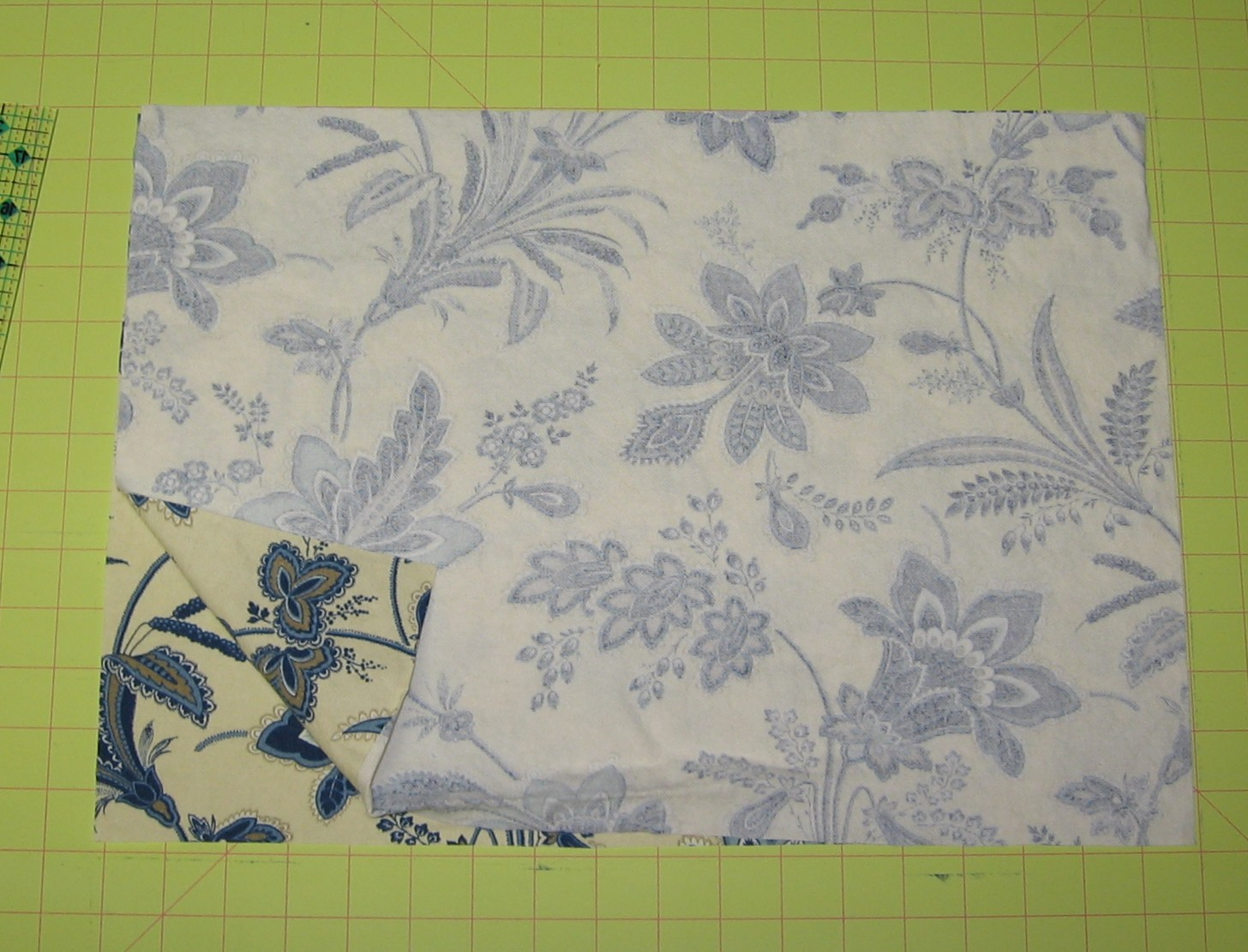 2 Pieces of fabric right sides facing