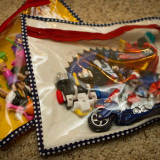 Going to Pieces – Toy Storage Bag Tutorial Roundup
