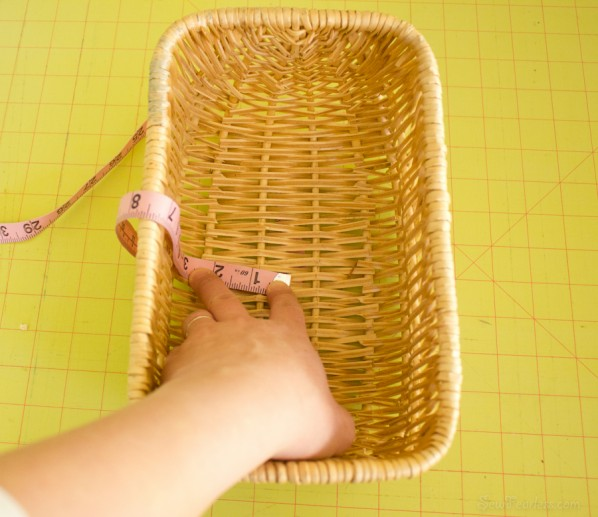 Measure the height of the liner from the bottom center of the basket - sewfearless.com
