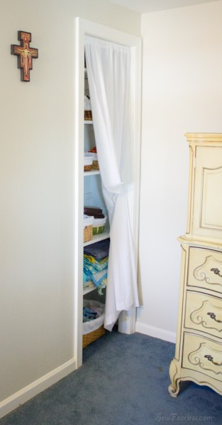 Lined thrift store baskets for baby storage - sewfearless.com