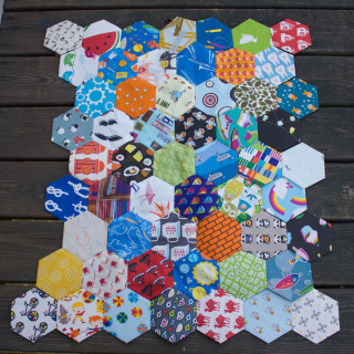 Hexagon I Spy Quilt: Keep on stitchin'