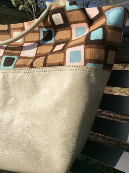 The Better-Than-Basic Bag Pattern by SewFearless.com, photo by Natalie (Carry Hers)