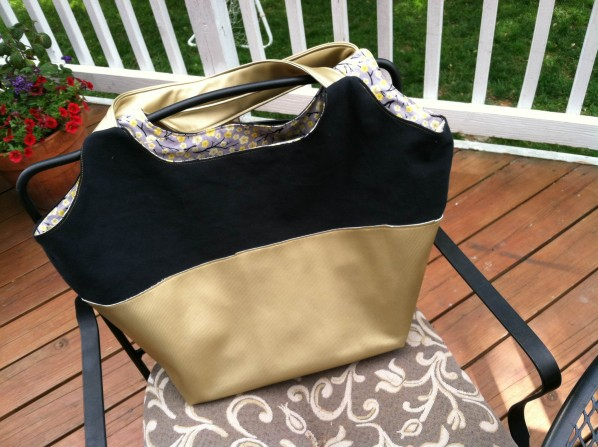 The Better-Than-Basic Bag Pattern by SewFearless.com, photo by Stacey of Boy, Oh Boy, Oh Boy